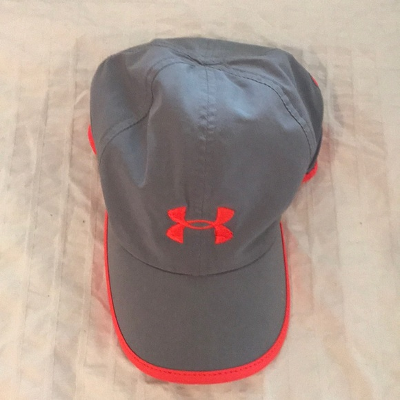 4066abe1308 Under Armour Accessories - Under armor workout hat